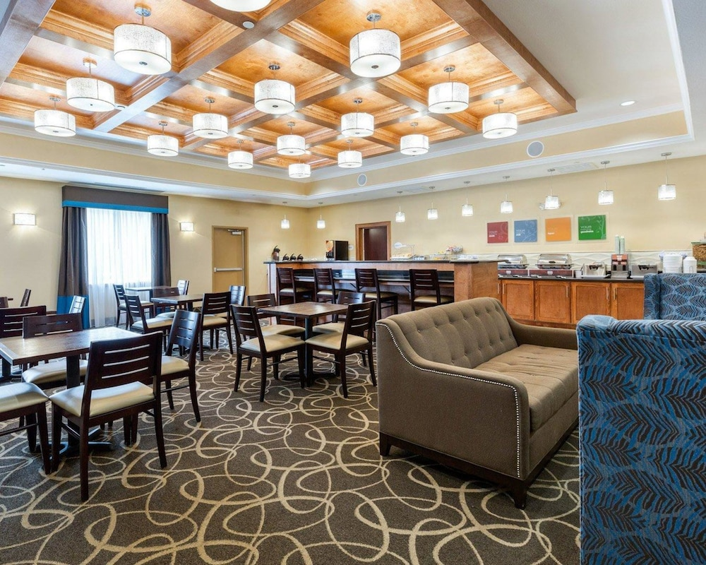 Breakfast Area, Comfort Suites at Katy Mills