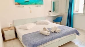 1 bedroom, desk, blackout curtains, rollaway beds