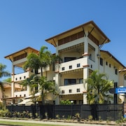City Plaza Apartments