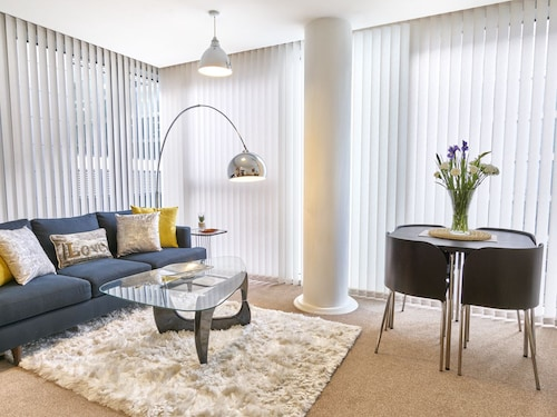 The Hub Serviced Apartments - Shortstay MK