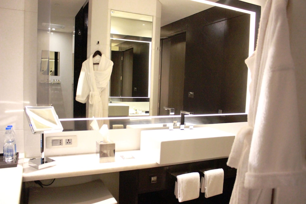 Bathroom, Park Hyatt Hyderabad