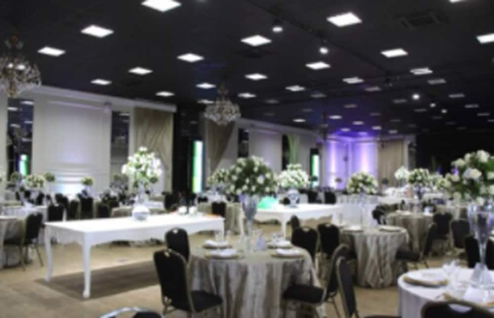 Indoor Wedding, Infinity Blue Resort & Spa
