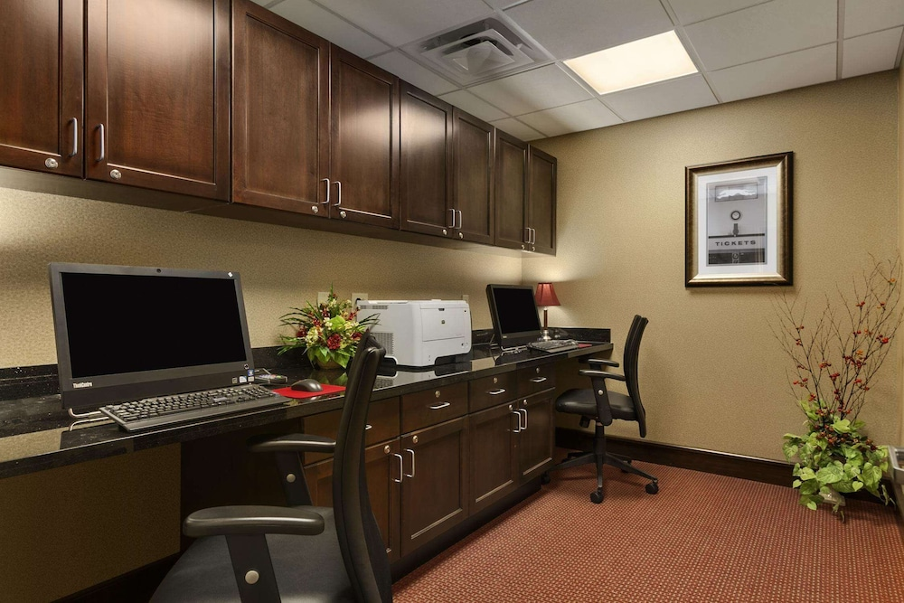 Business Center, Homewood Suites by Hilton Binghamton/Vestal, NY