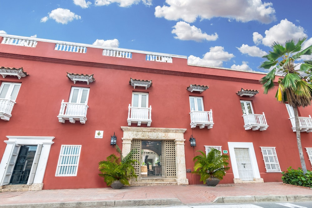 Front of Property, GHL Hotel Armería Real