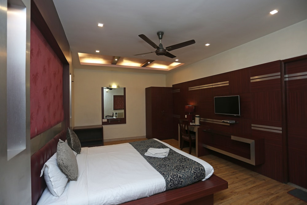 Room Amenity, Hotel Rushabh Home