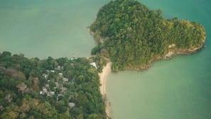 Plage privée, serviettes de plage, kayak