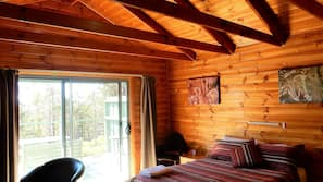 1 bedroom, premium bedding, pillow-top beds, minibar