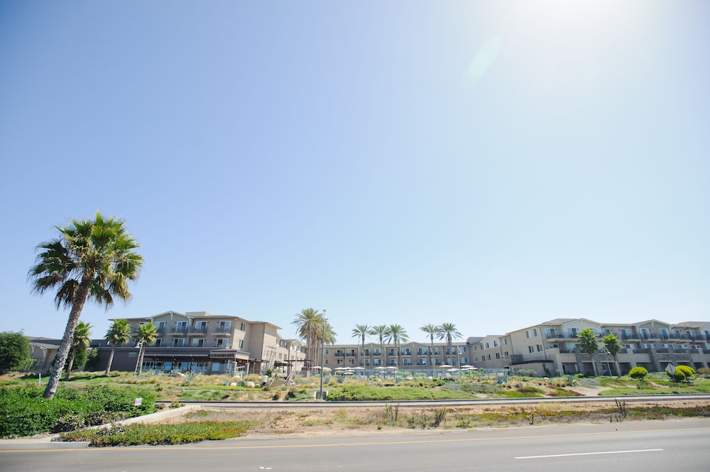Building design, Cape Rey Carlsbad Beach, a Hilton Resort & Spa