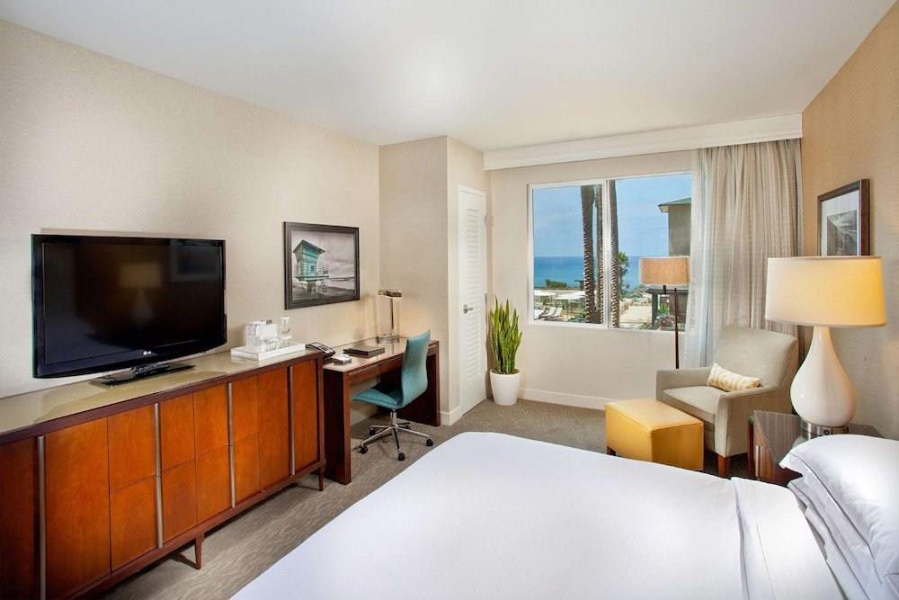 Room, Cape Rey Carlsbad Beach, a Hilton Resort & Spa