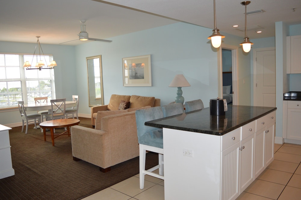 Living Area, Harborside Suites at Little Harbor