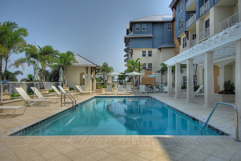 Outdoor Pool, Harborside Suites at Little Harbor