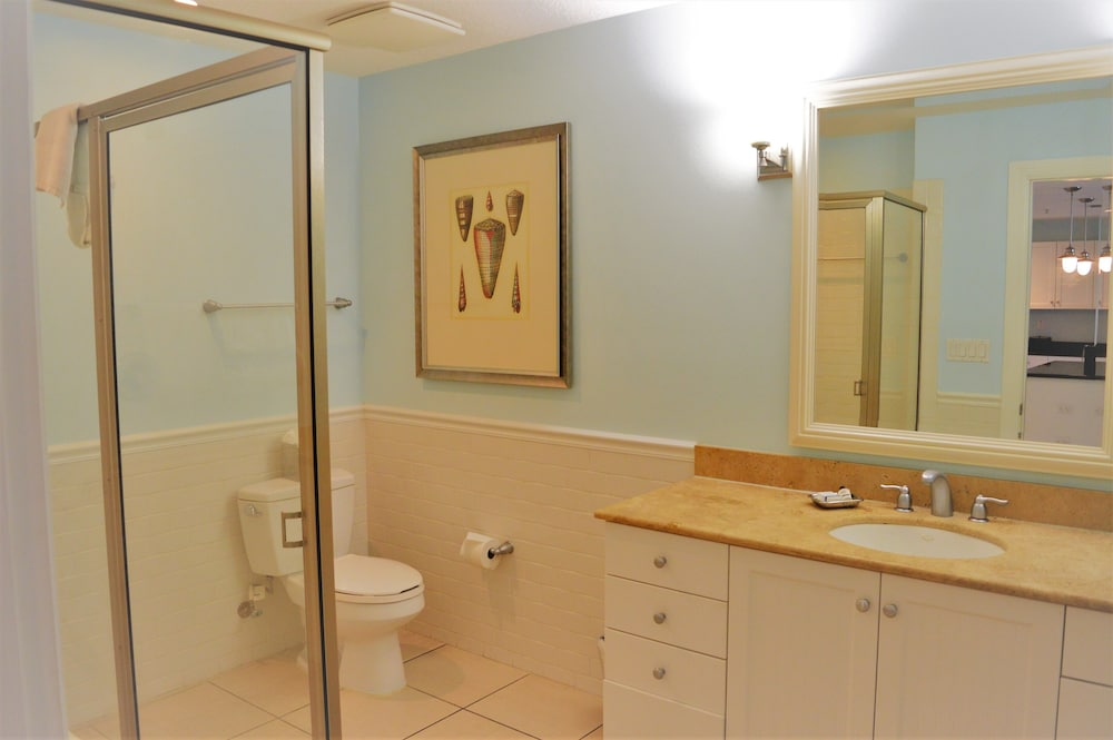 Bathroom, Harborside Suites at Little Harbor
