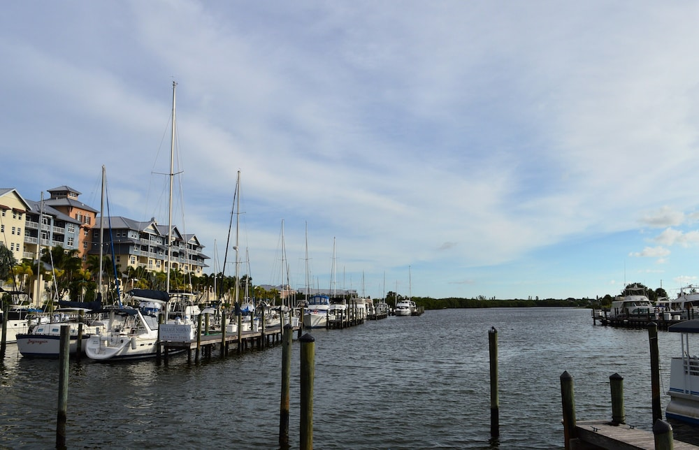 Boating, Harborside Suites at Little Harbor