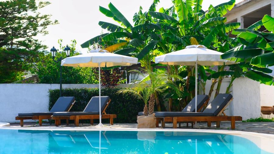Aquarius Beach Eco-Hotel