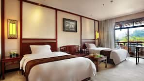 1 bedroom, premium bedding, down comforters, pillowtop beds