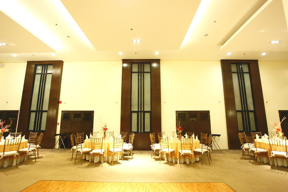 Ballroom, Oracle Hotel and Residences