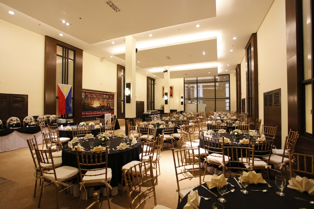 Banquet Hall, Oracle Hotel and Residences