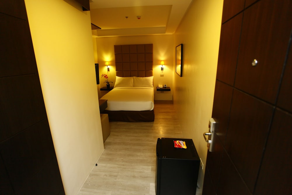 Room, Oracle Hotel and Residences