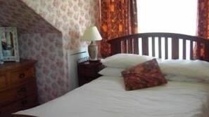 特色装修、特色家居、书桌、熨斗/熨板