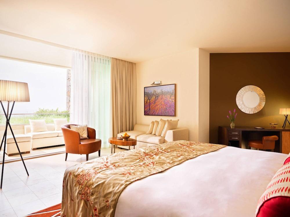 Jumeirah port soller hotel spa reviews photos rates for Hotel spa 13