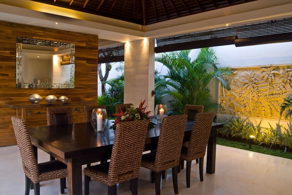 In-Room Dining, Chandra Bali Villas