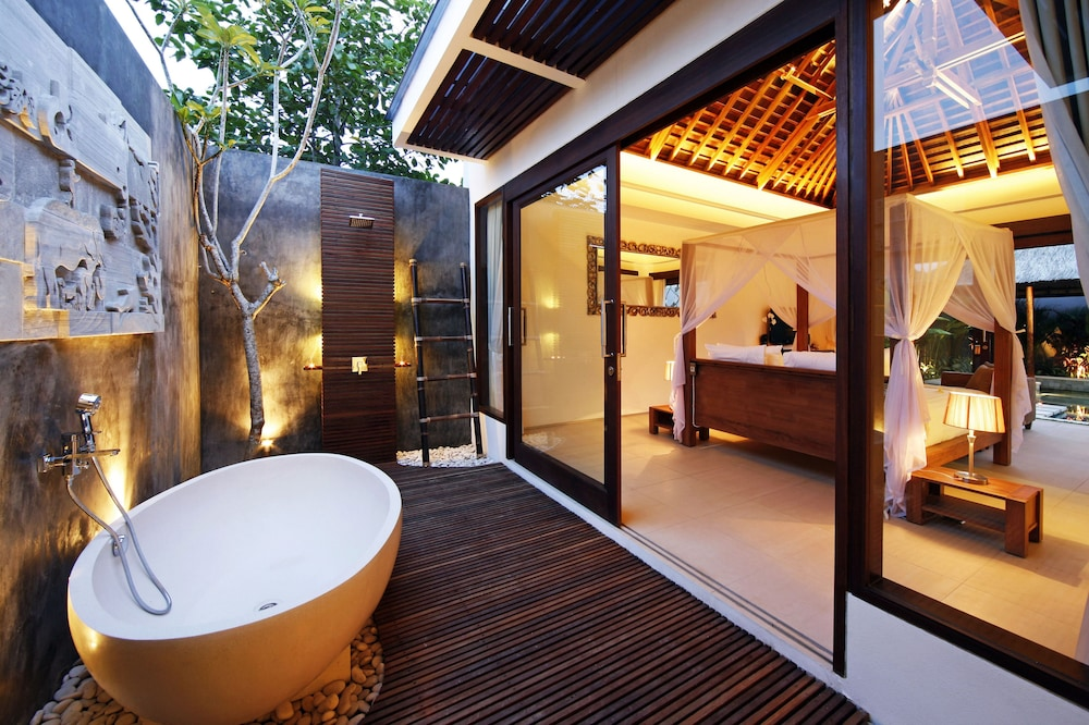 Bathroom, Chandra Bali Villas