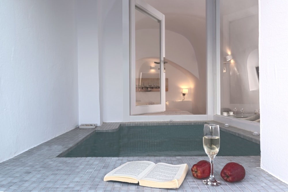 Indoor Spa Tub, Caldera Premium Villas-Adults Only