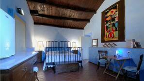 Lits bébés (en supplément), draps fournis