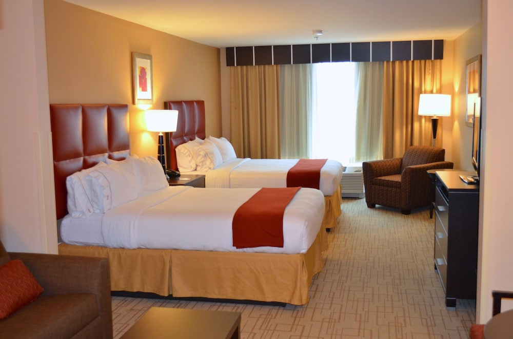 Room, Holiday Inn Express Hotel & Suites Smithfield - Selma I -95