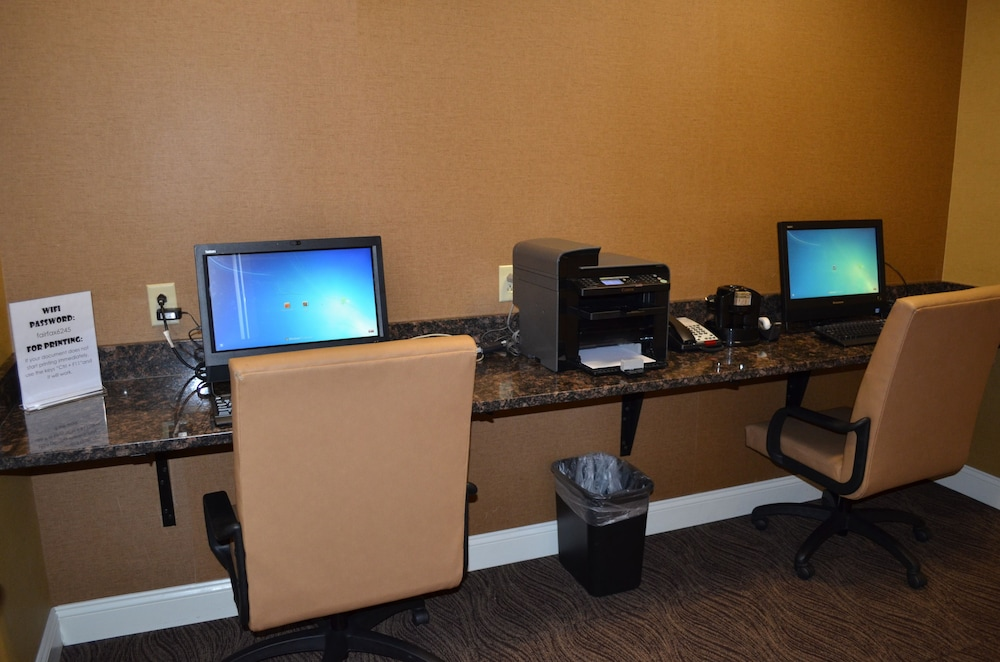 Business Center, Holiday Inn Express Hotel & Suites Smithfield - Selma I -95