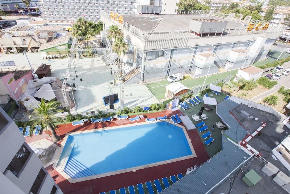 Standard Apartment 1 Bedroom X Outdoor Pool