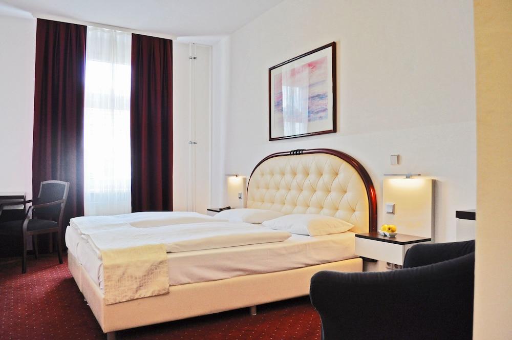 Hotel Prens Berlin Kreuzberg