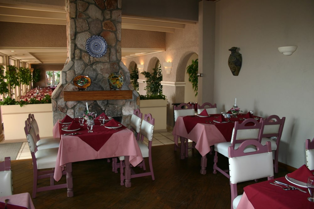 Restaurant, Estero Beach Hotel & Resort