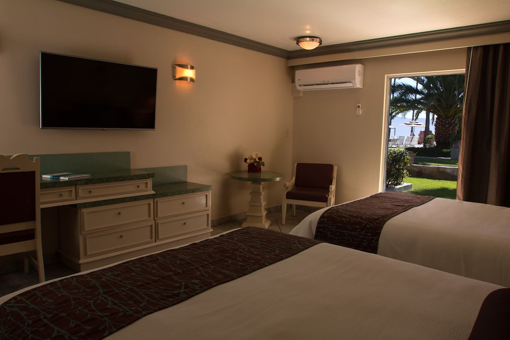 Room, Estero Beach Hotel & Resort