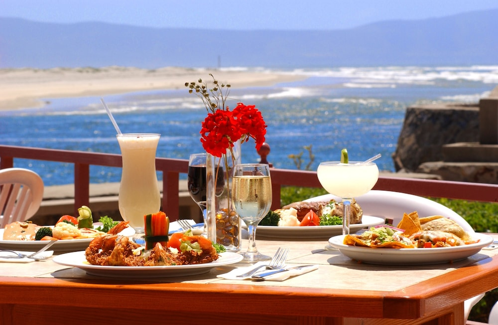 Outdoor Dining, Estero Beach Hotel & Resort