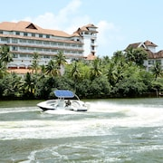 The Raviz Resort and Spa, Ashtamudi