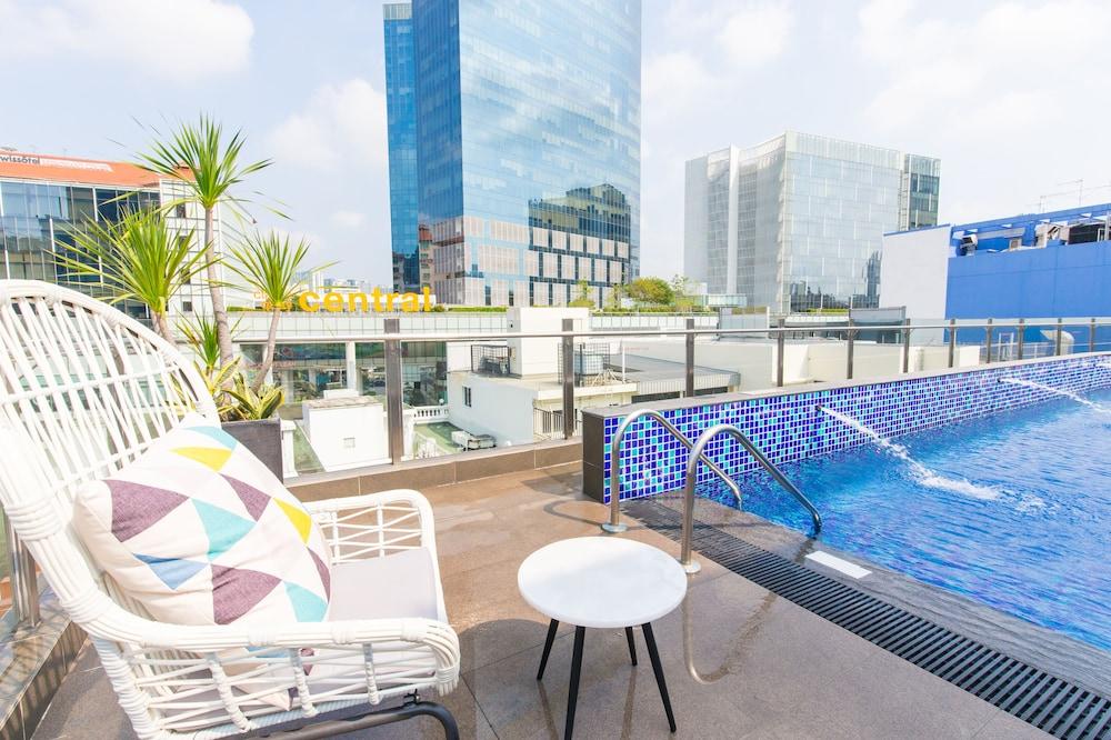 Fragrance hotel riverside in singapore hotel rates hotel piscina singapore - Singapore hotel piscina ...