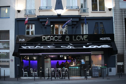 Peace & Love - Hostel