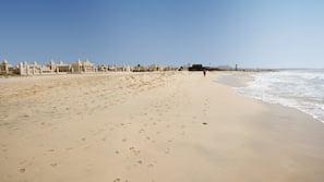 Beach nearby, sun-loungers, beach umbrellas, beach volleyball