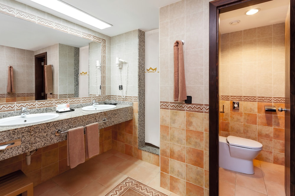 Bathroom, Hotel Riu Touareg - All Inclusive