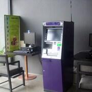 Geldautomat vor Ort