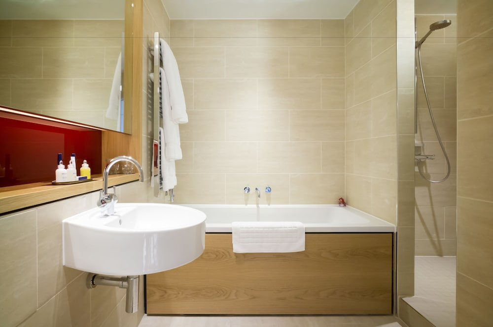 Bathroom, Apex Temple Court Hotel