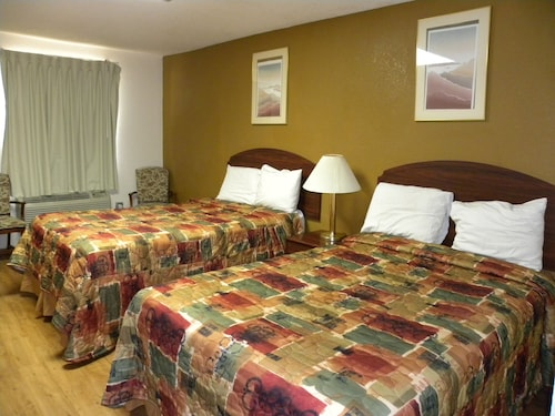 Great Place to stay Guest Inn Rogers near Rogers