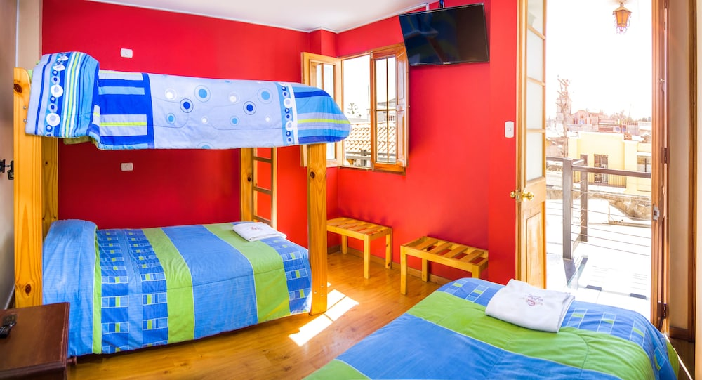 100 hostal le foyer arequipa peru best hostels in arequipa for students solo travellers. Black Bedroom Furniture Sets. Home Design Ideas