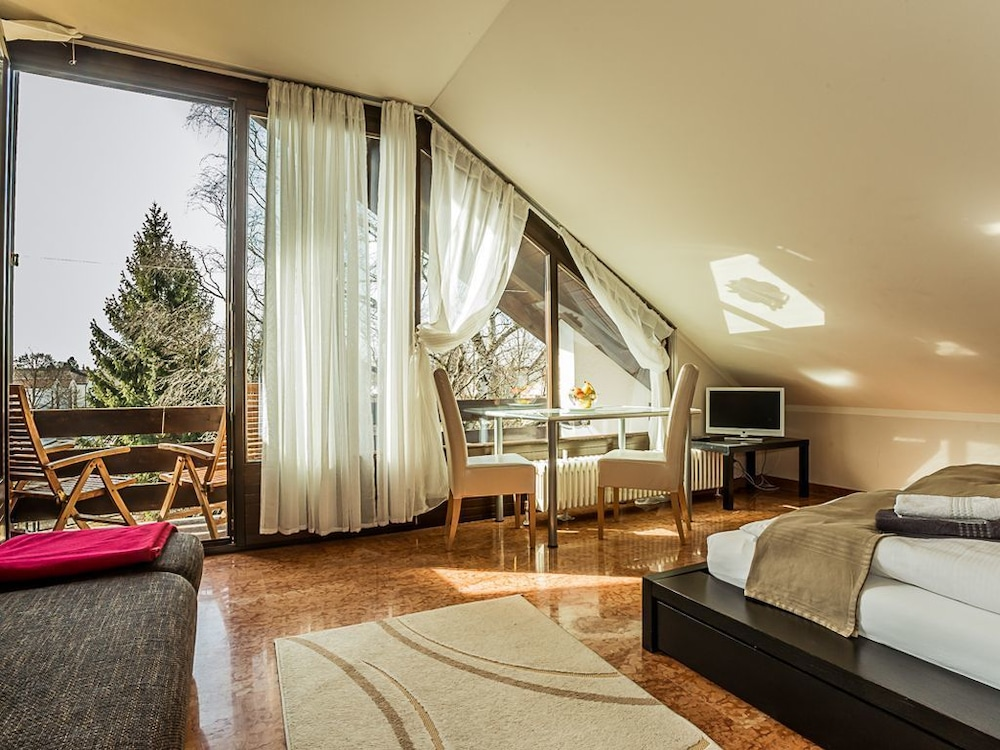 Garden House & Eastpark Apartments in Munich | Hotel Rates ...