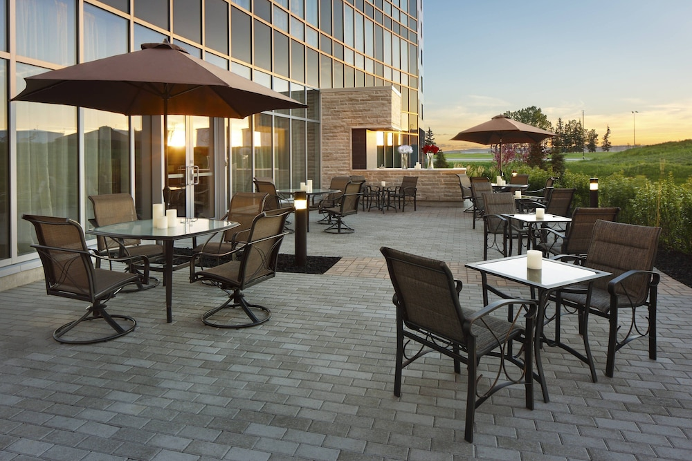 Terrace/Patio, Courtyard by Marriott Calgary Airport