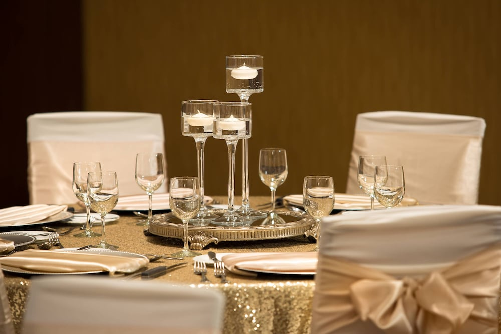 Banquet Hall, Courtyard by Marriott Calgary Airport
