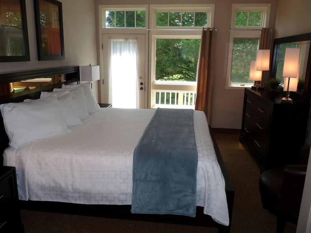 Room, Fairway Suites at Peek'n Peak