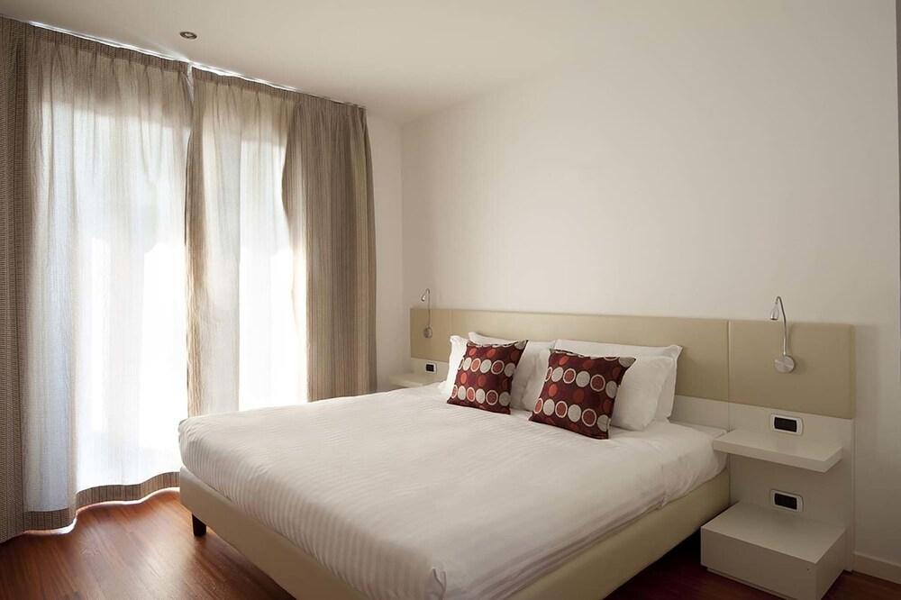 https://images.trvl-media.com/hotels/5000000/4870000/4860600/4860571/1fa55eaf_z.jpg