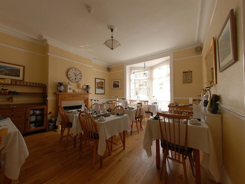 Chiltern Guest House & Holiday Apartment